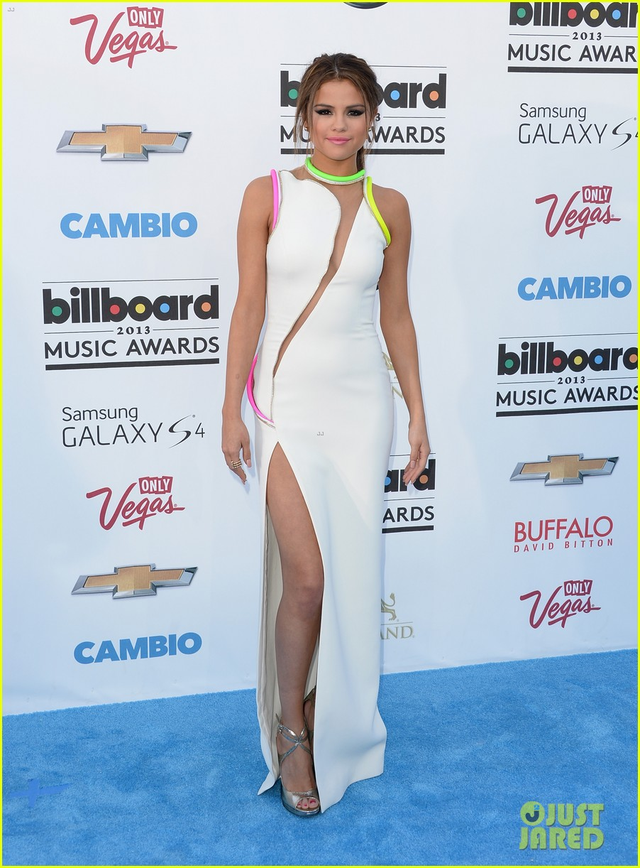 selena gomez billboard music awards 2013 red carpet 162873927
