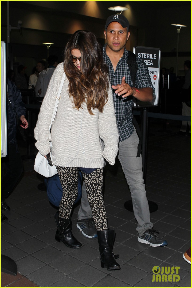 selena gomez back in los angeles after press tour 082881234