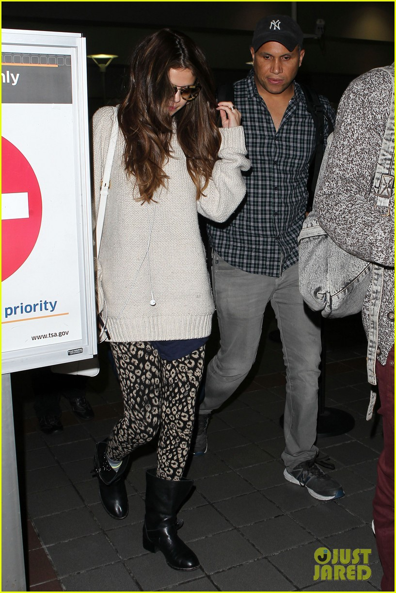 selena gomez back in los angeles after press tour 092881235