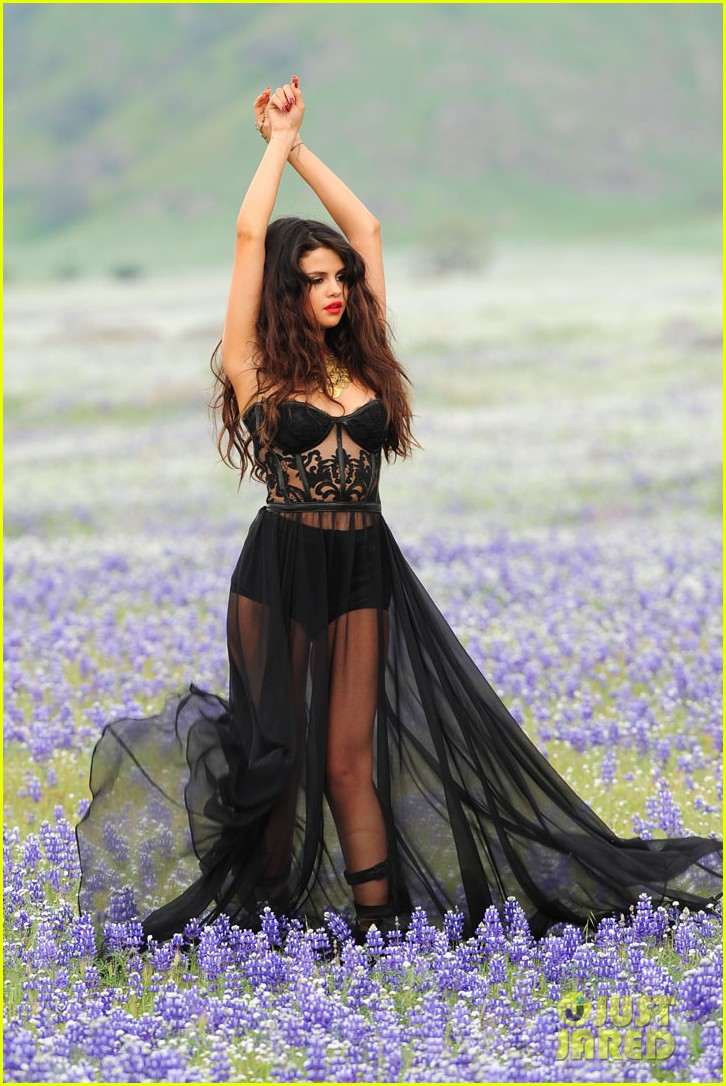 selena gomez come get it video shoot pictures 012866535