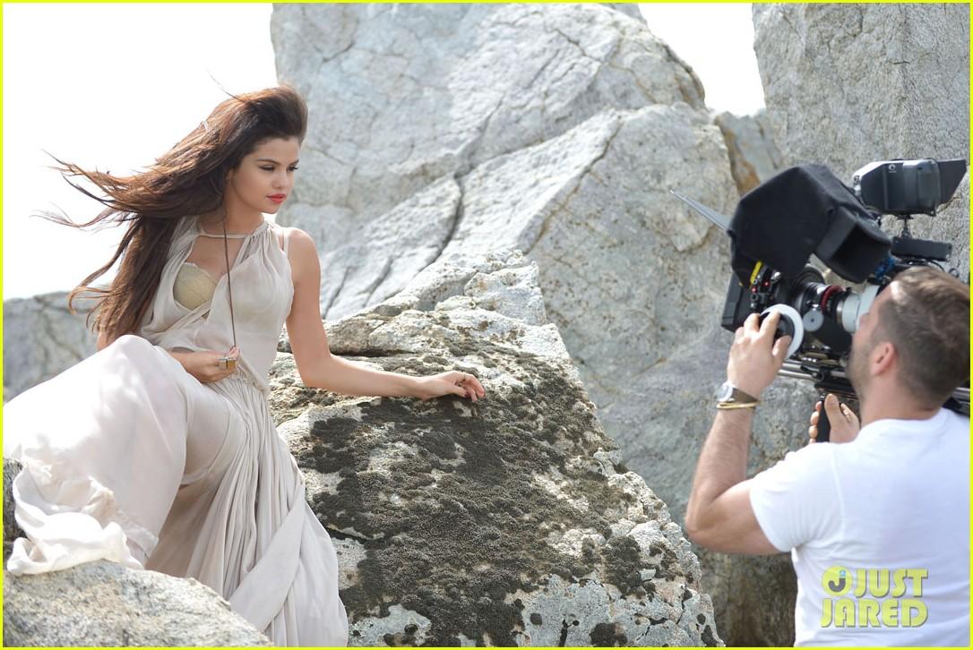 selena gomez come get it video shoot pictures 082866542