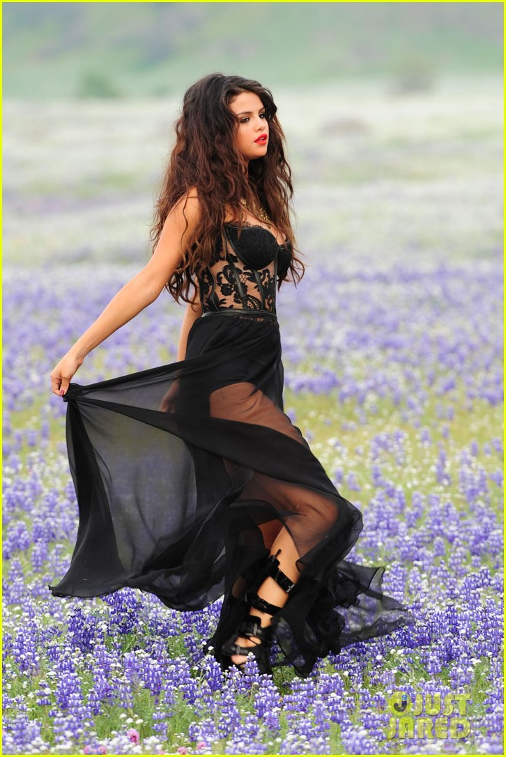selena gomez come get it video shoot pictures 11