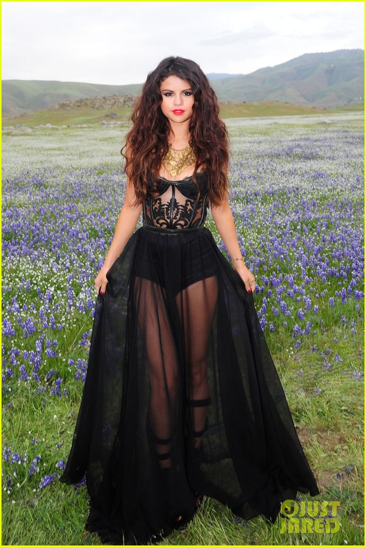 selena gomez come get it video shoot pictures 20