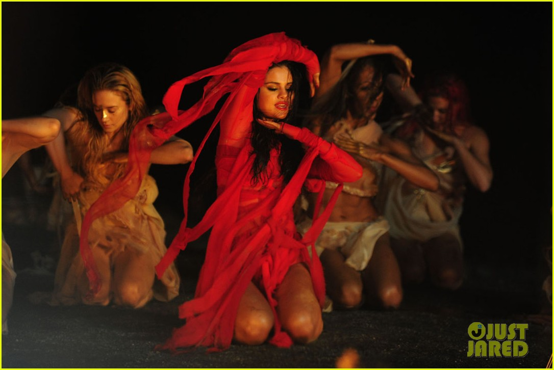 selena gomez come get it video shoot pictures 29