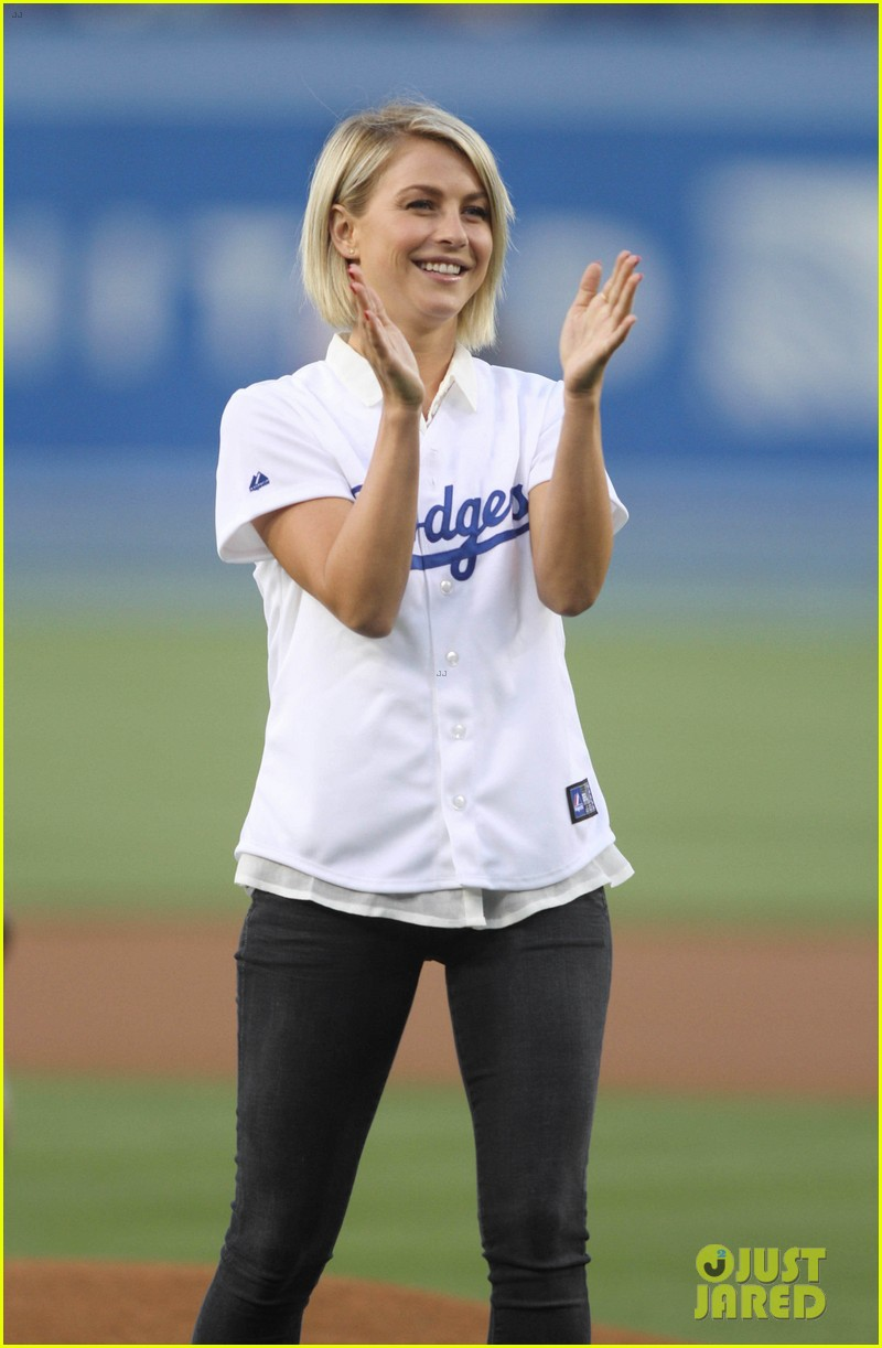 ginnifer goodwin julianne hough dodgers girls 052862306