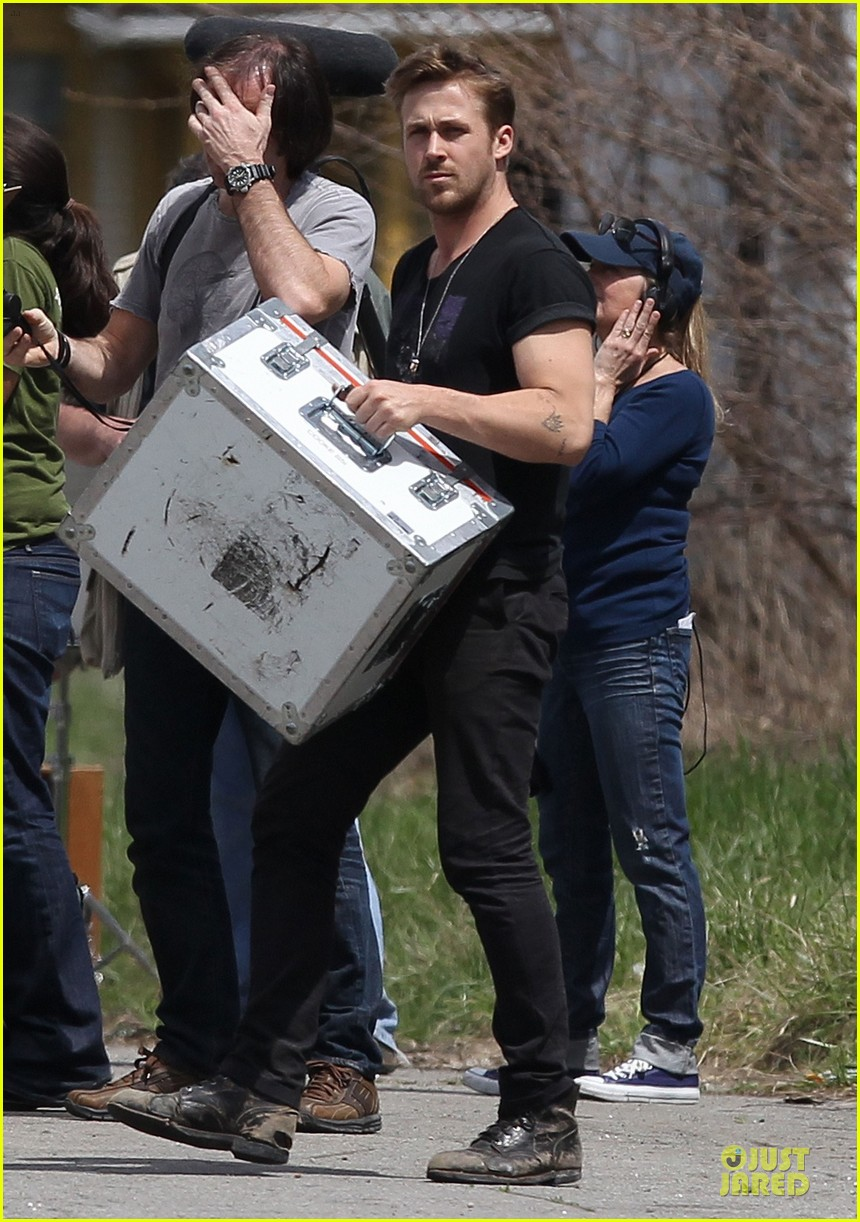 ryan gosling bulging biceps on how to catch a monster set 082863579