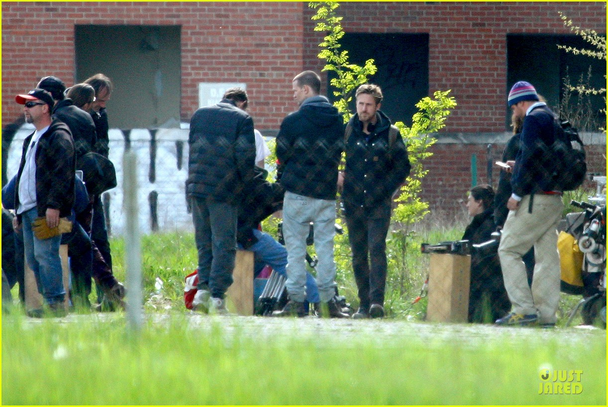 ryan gosling works with shirtless matt smith on monster set 082869807