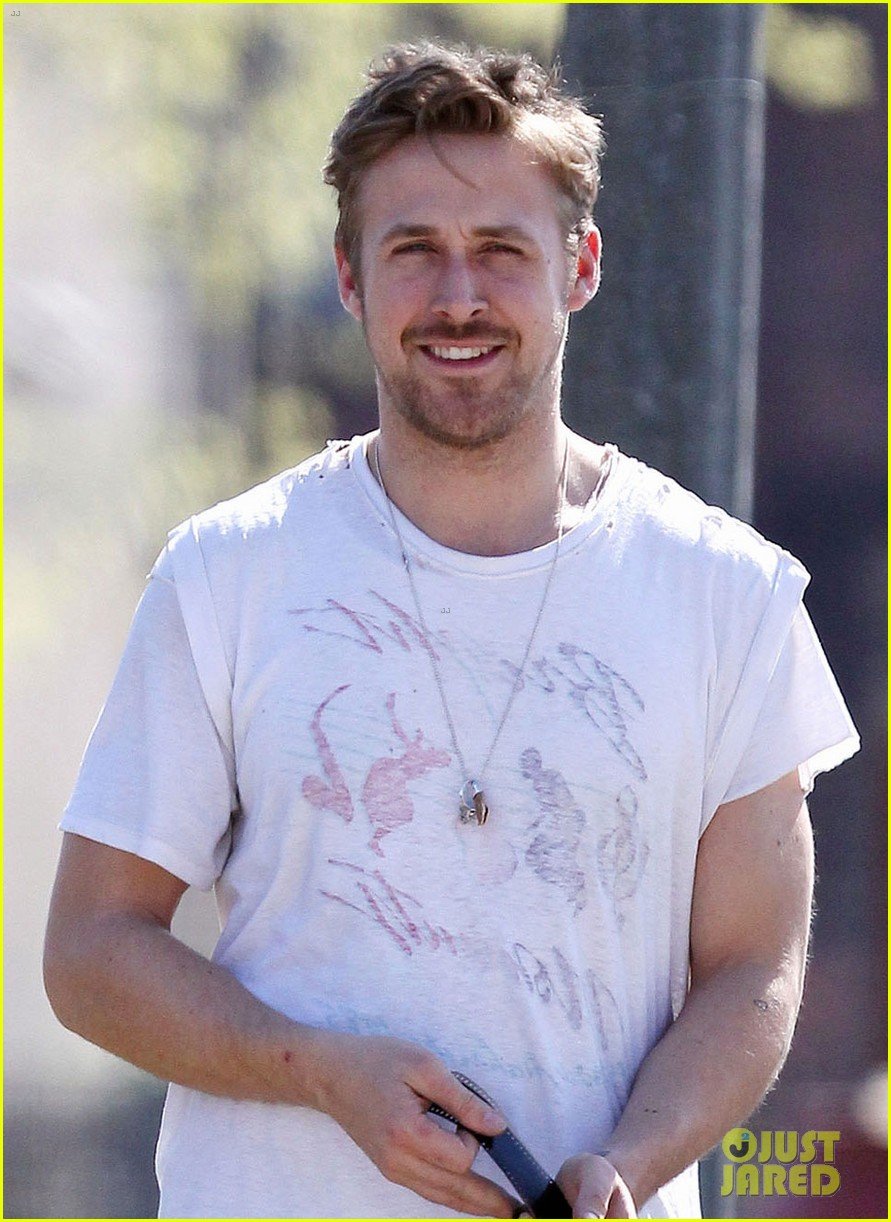 ryan gosling eva mendes how to catch a monster set 042862603