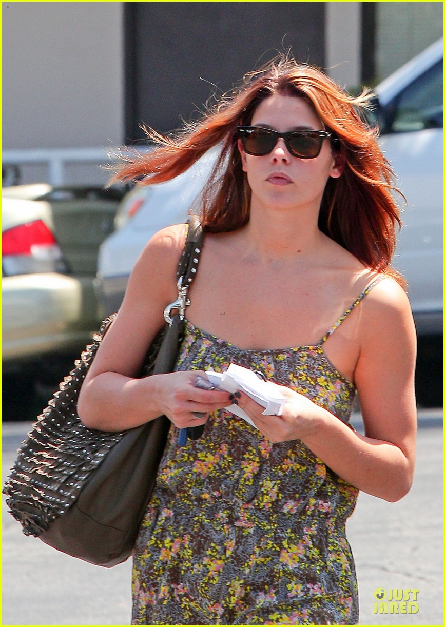 ashley greene i had rough few months after condo fire 142877916