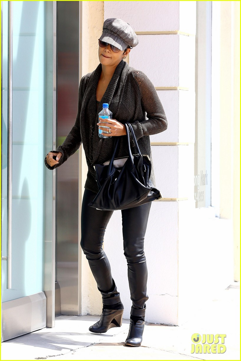 halle berry rocks leather pants while shopping 062867211
