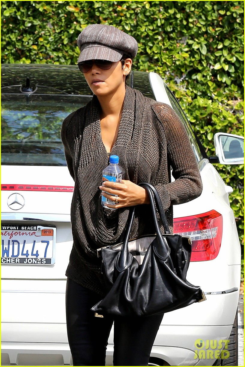 halle berry rocks leather pants while shopping 122867217