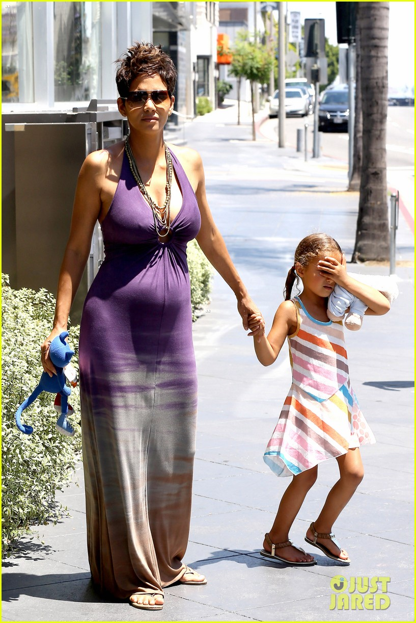 halle berry i love mothers day 012869225