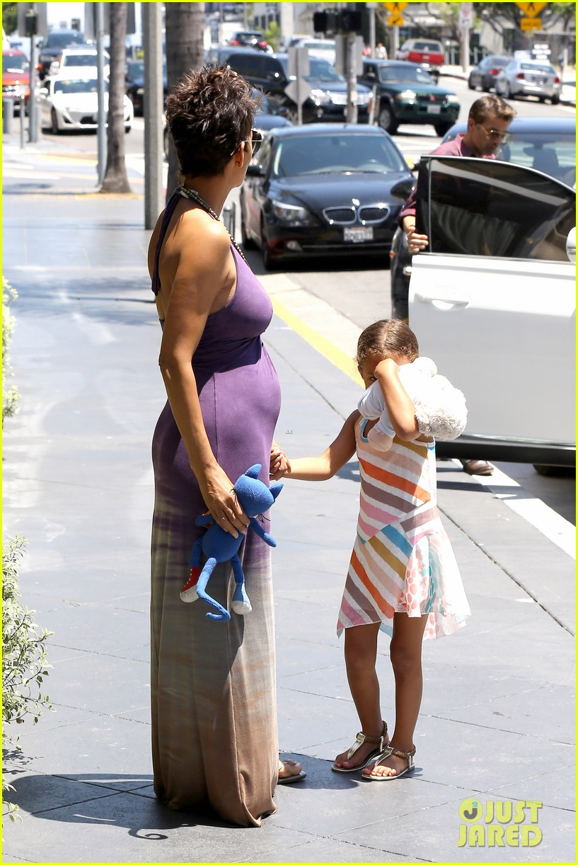 halle berry i love mothers day 032869227