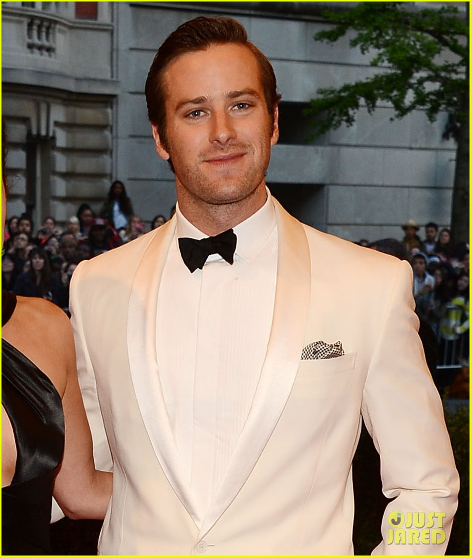 armie hammer met ball 2013 red carpet with elizabeth chambers 02