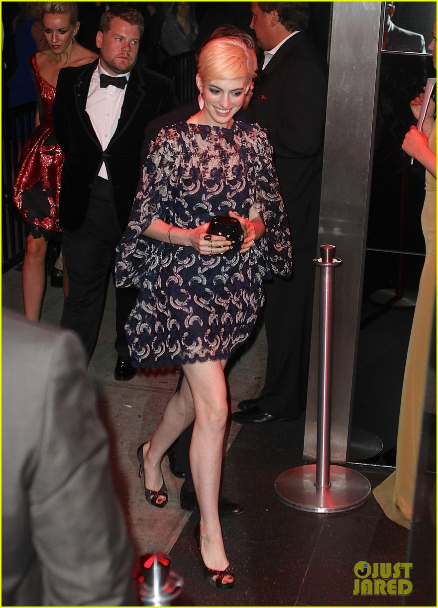 anne hathaway amanda seyfried met ball 2013 after party 032865957
