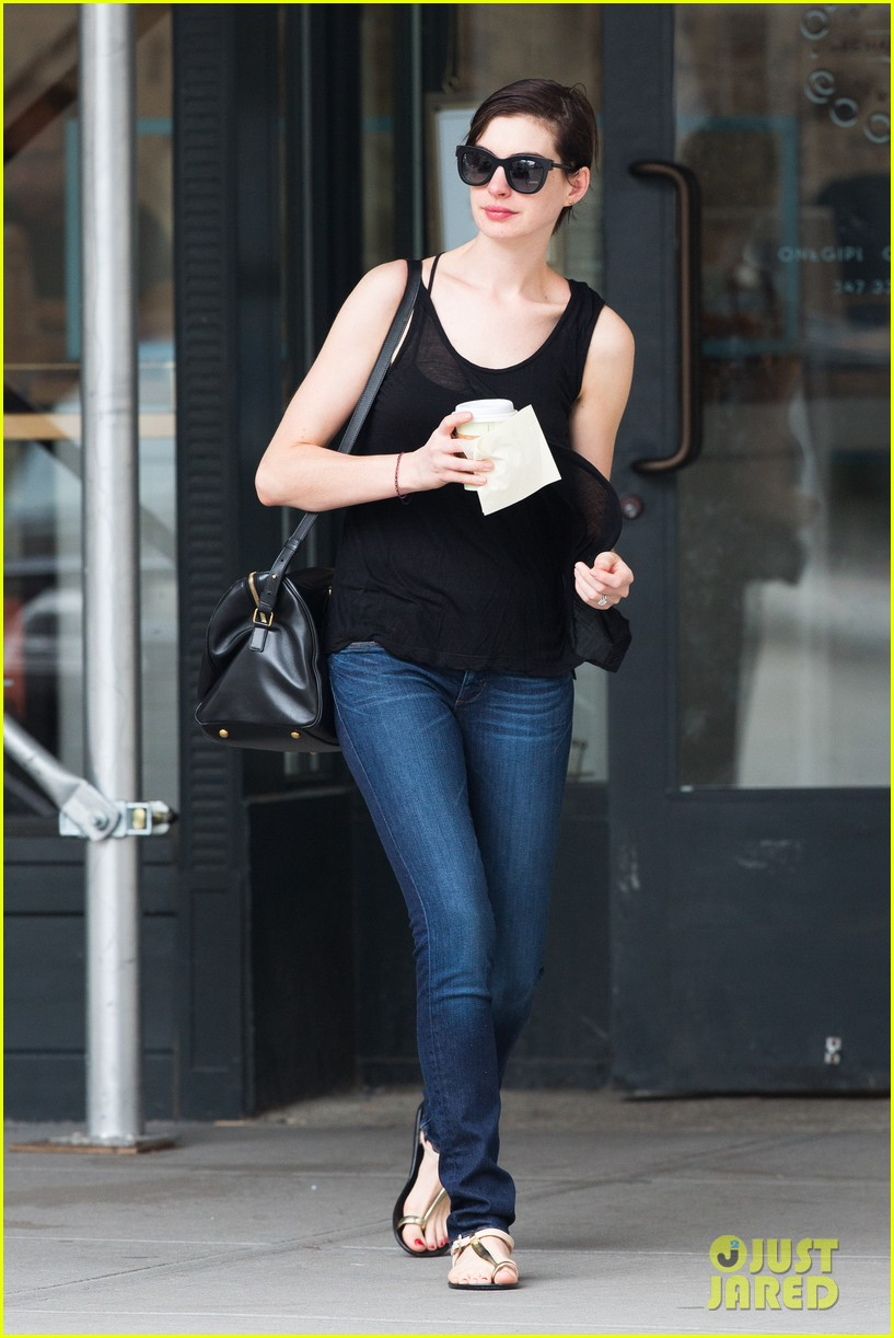 anne hathaway back to brunette 012879473