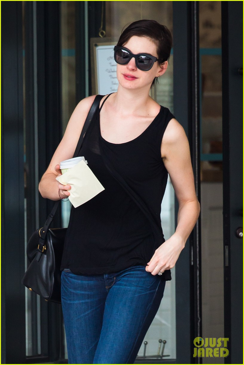 anne hathaway back to brunette 062879478