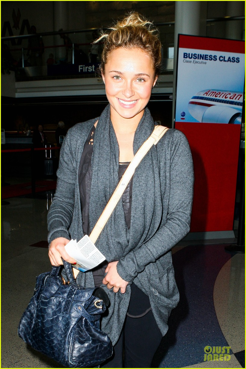 hayden panettiere conne britton memorial day weekend lax departures 022877966