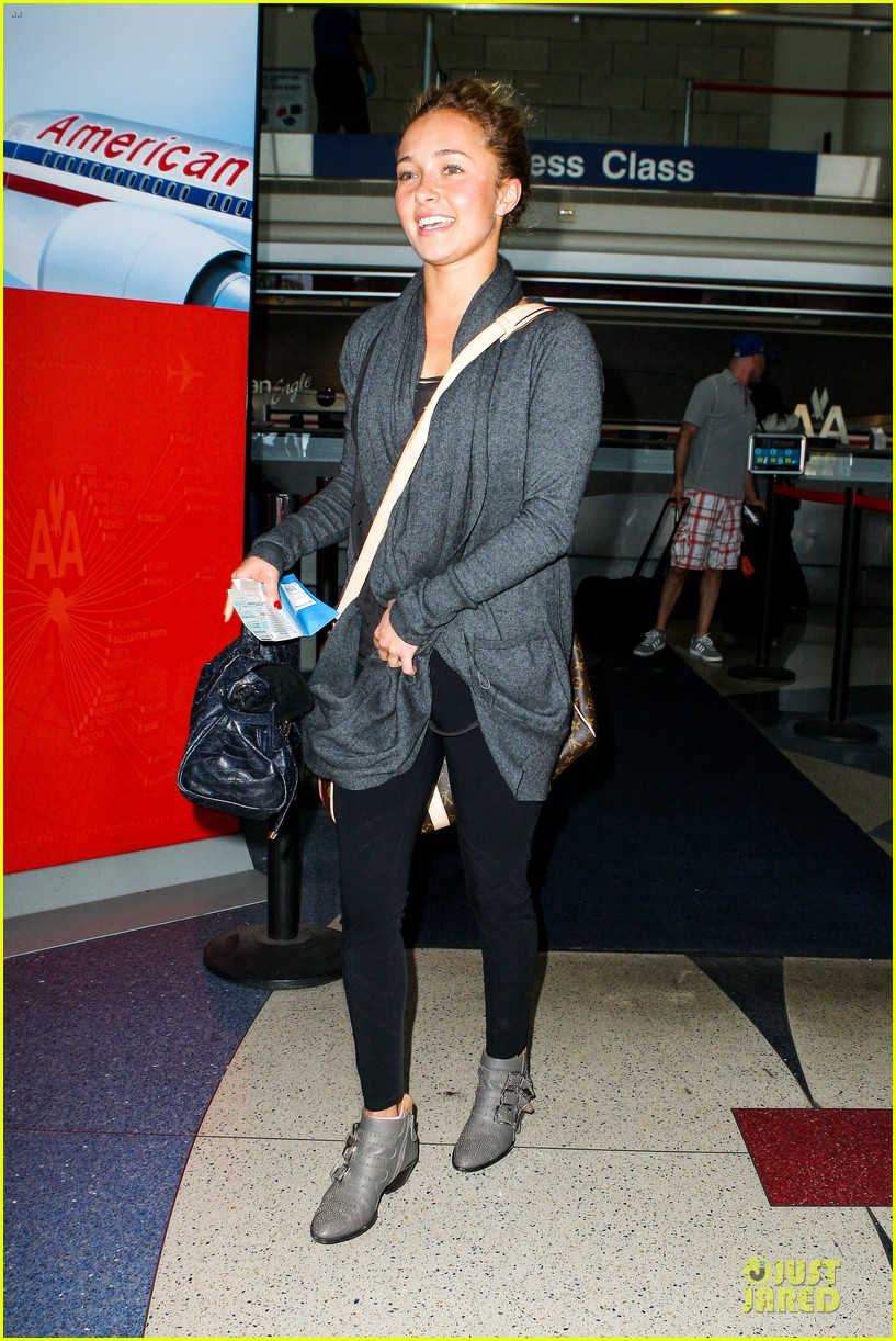 hayden panettiere conne britton memorial day weekend lax departures 122877976