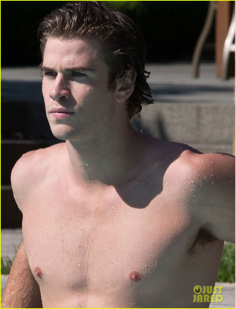 liam hemsworth shirtless in the pool for paranoia 022877583