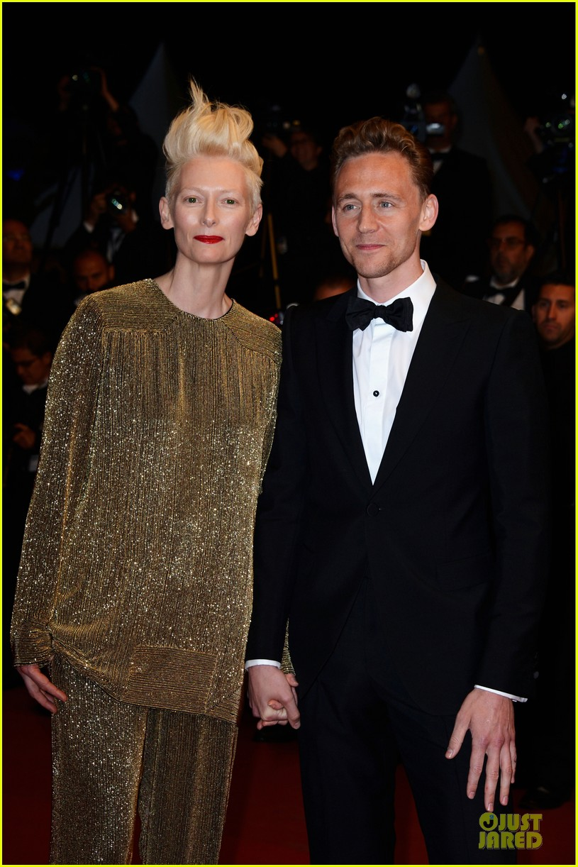 tom hiddleston tilda swinton hold hands at only lovers left alive premiere 022878027