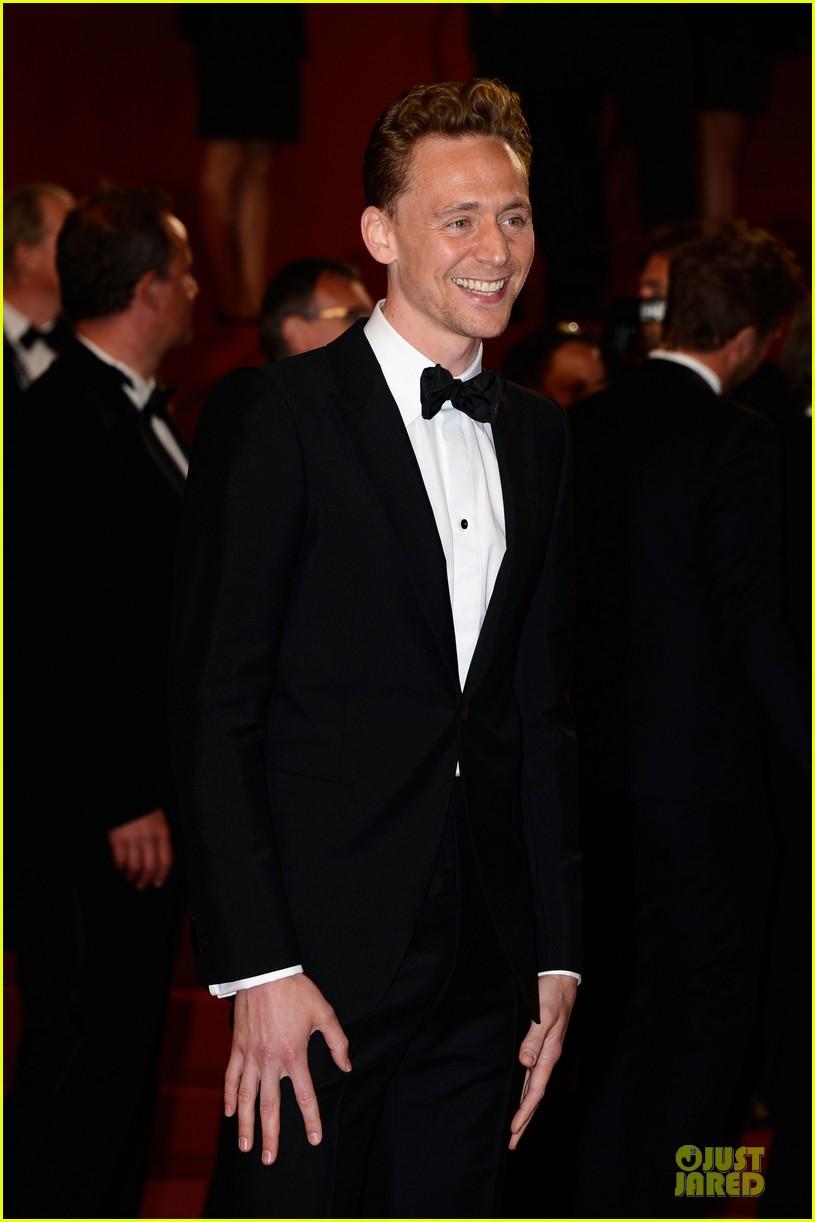 tom hiddleston tilda swinton hold hands at only lovers left alive premiere 092878034