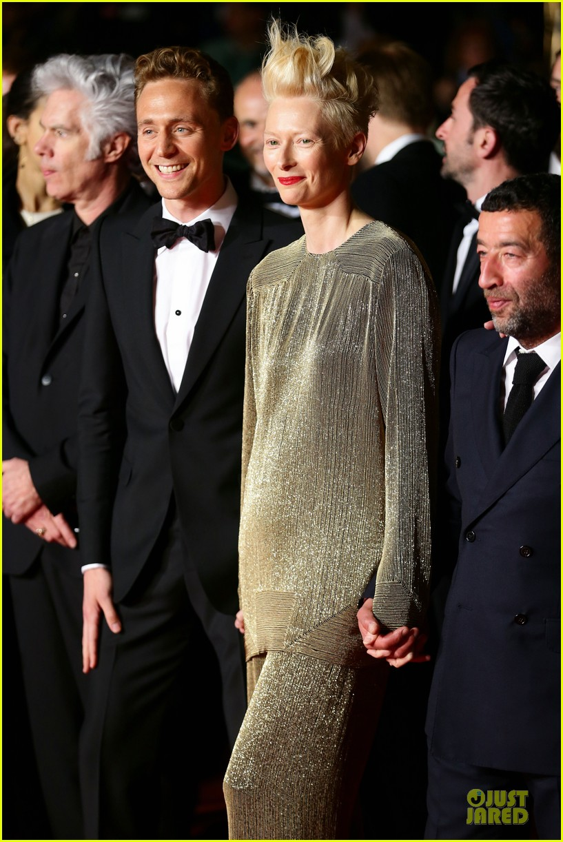 tom hiddleston tilda swinton hold hands at only lovers left alive premiere 19