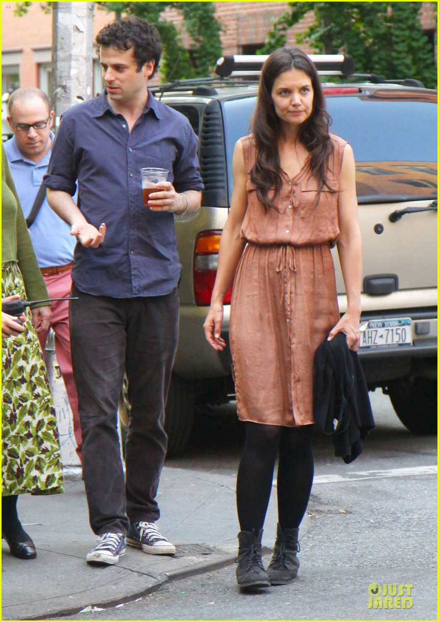 katie holmes luke kirby dinner after mania days filming 082876004