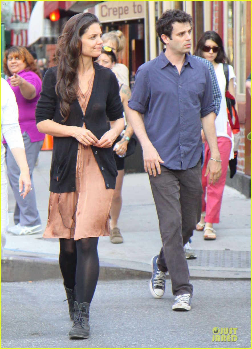 katie holmes luke kirby dinner after mania days filming 132876009