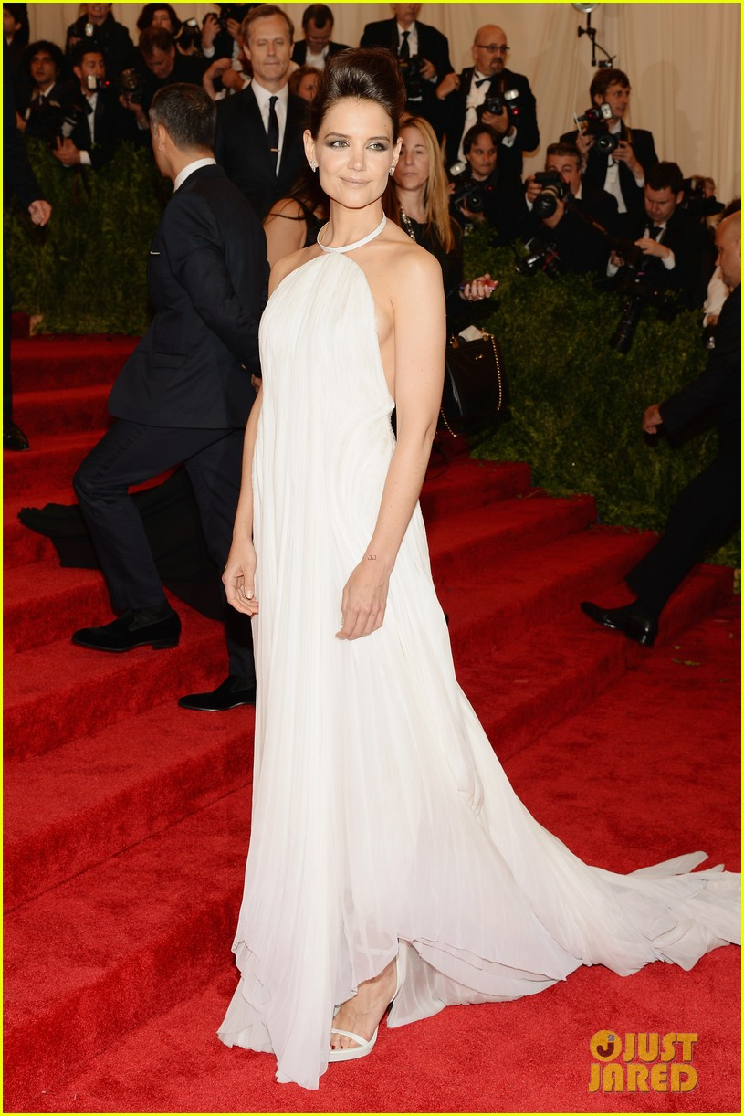 katie holmes met ball 2013 red carpet 012865121