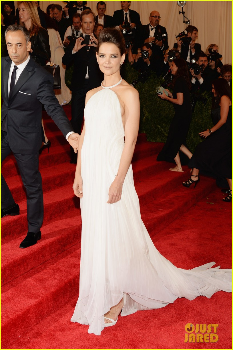 katie holmes met ball 2013 red carpet 042865124