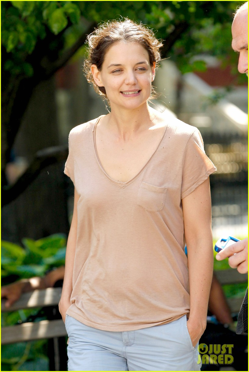 katie holmes soaking wet for mania days 02