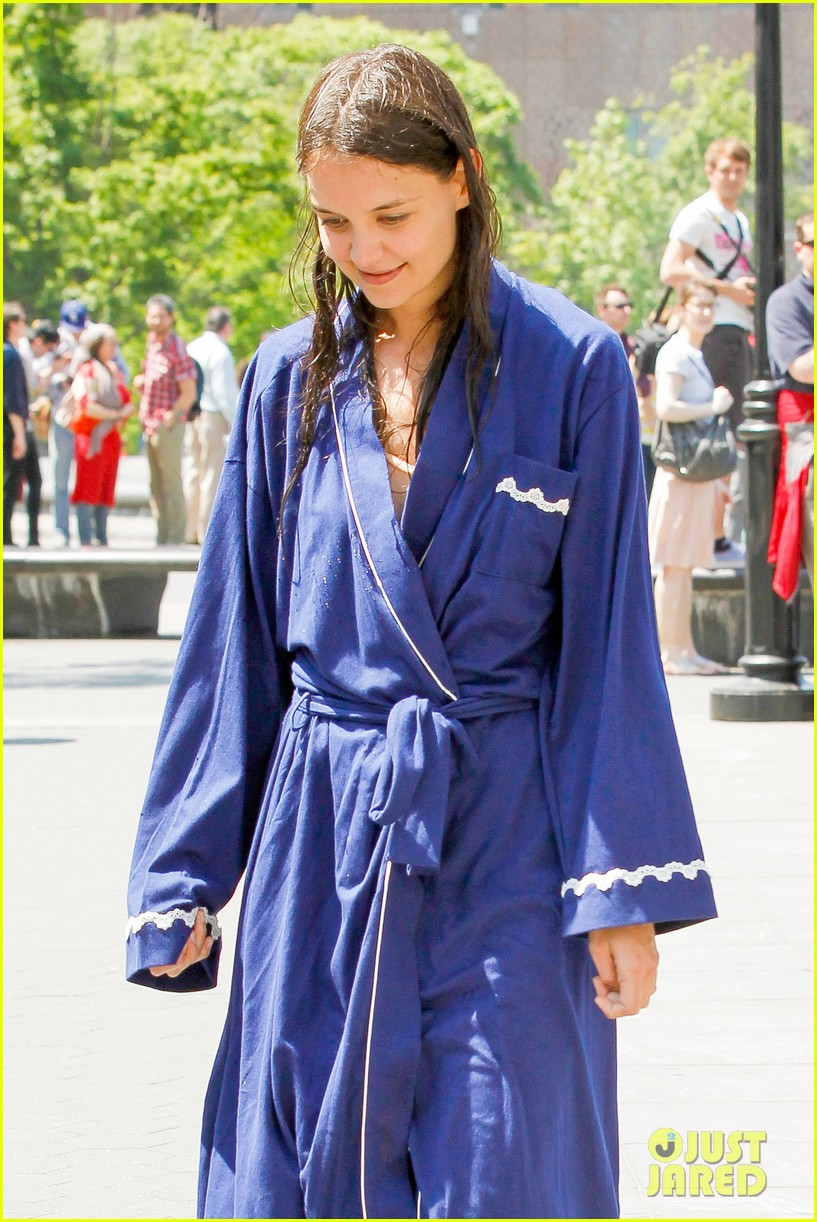 katie holmes soaking wet for mania days 112875548