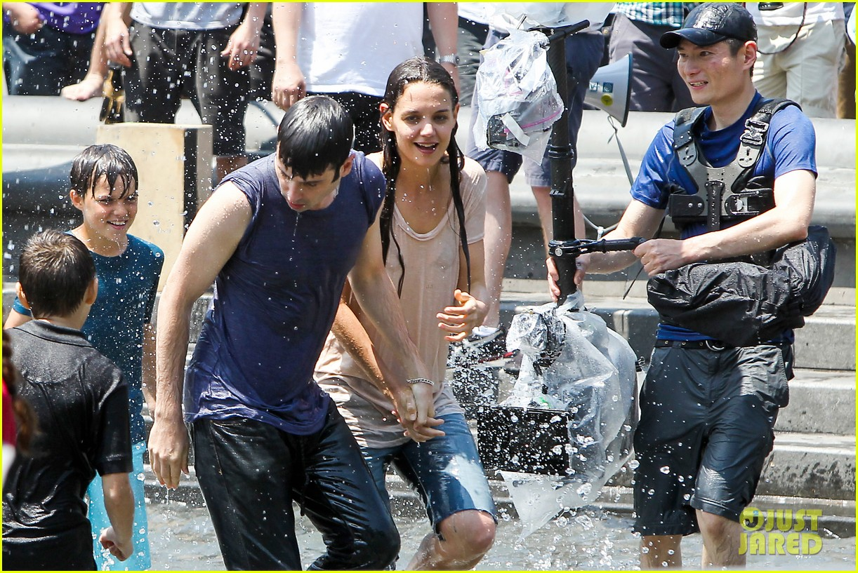 katie holmes soaking wet for mania days 202875557