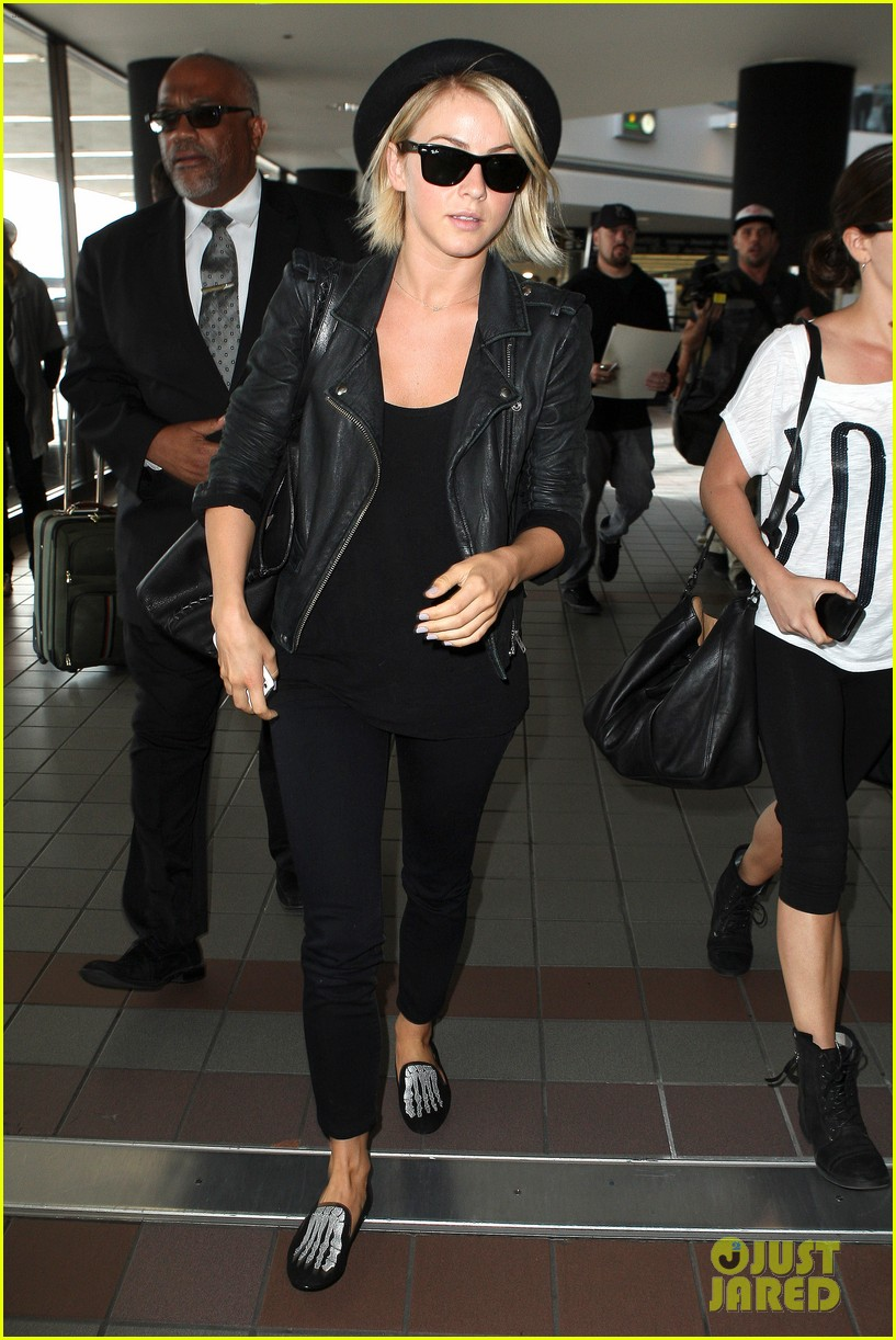 julianne hough skeleton shoes for london flight 21