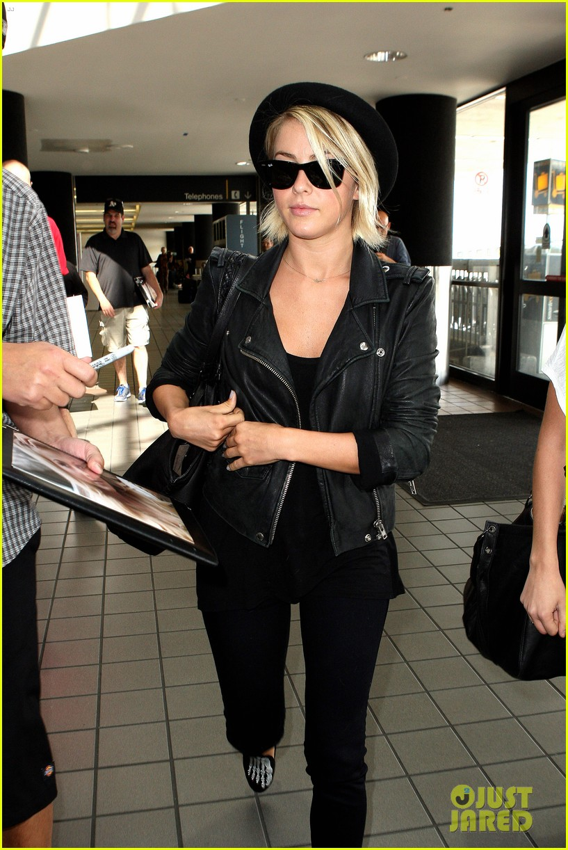julianne hough skeleton shoes for london flight 22