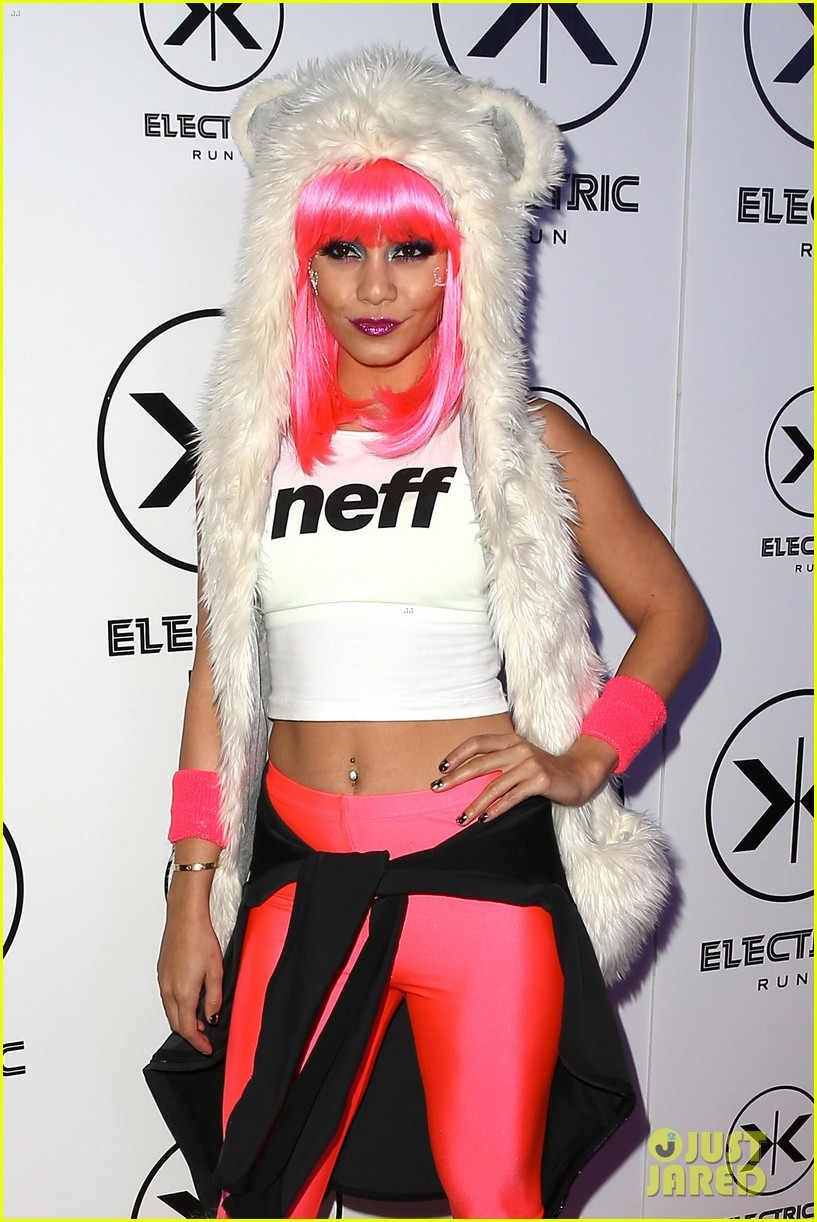 vanessa hudgens bright pink wig for electric run 2013 112877768