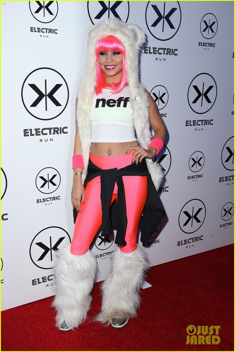 vanessa hudgens bright pink wig for electric run 2013 28