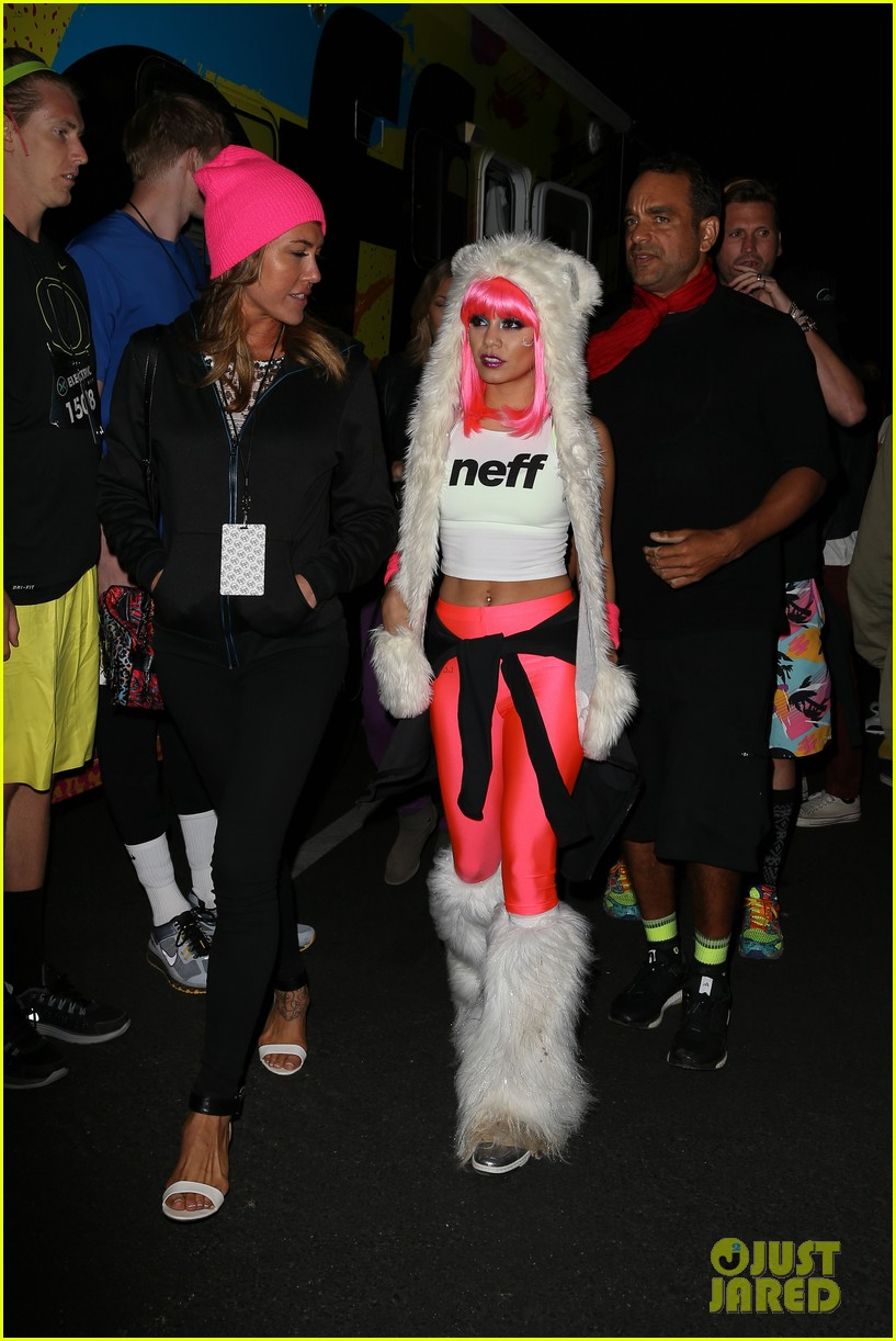 vanessa hudgens bright pink wig for electric run 2013 292877786