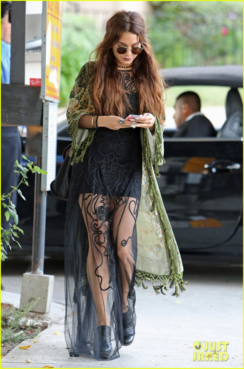 Vanessa Hudgens Hipster Chic Style At Hair Salon Photo 2872155 Vanessa Hudgens Pictures