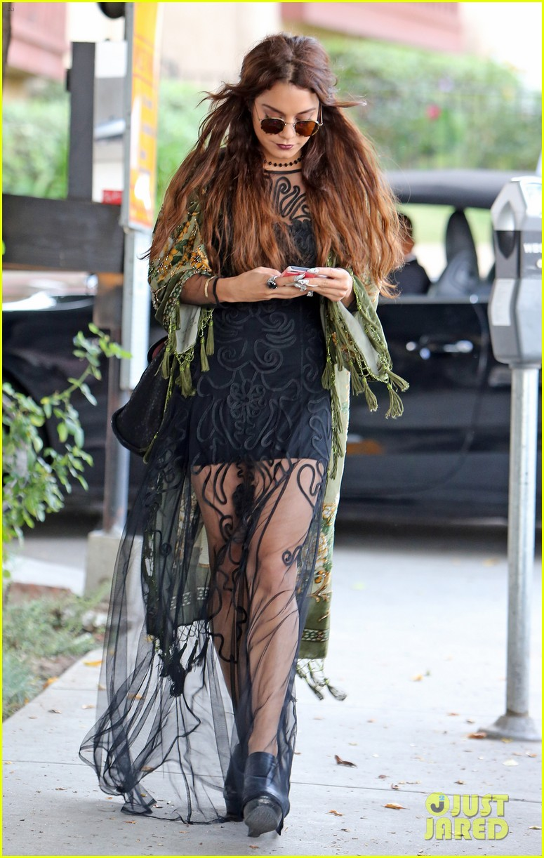 Vanessa Hudgens Hipster Chic Style At Hair Salon Photo 2872157 Vanessa Hudgens Pictures