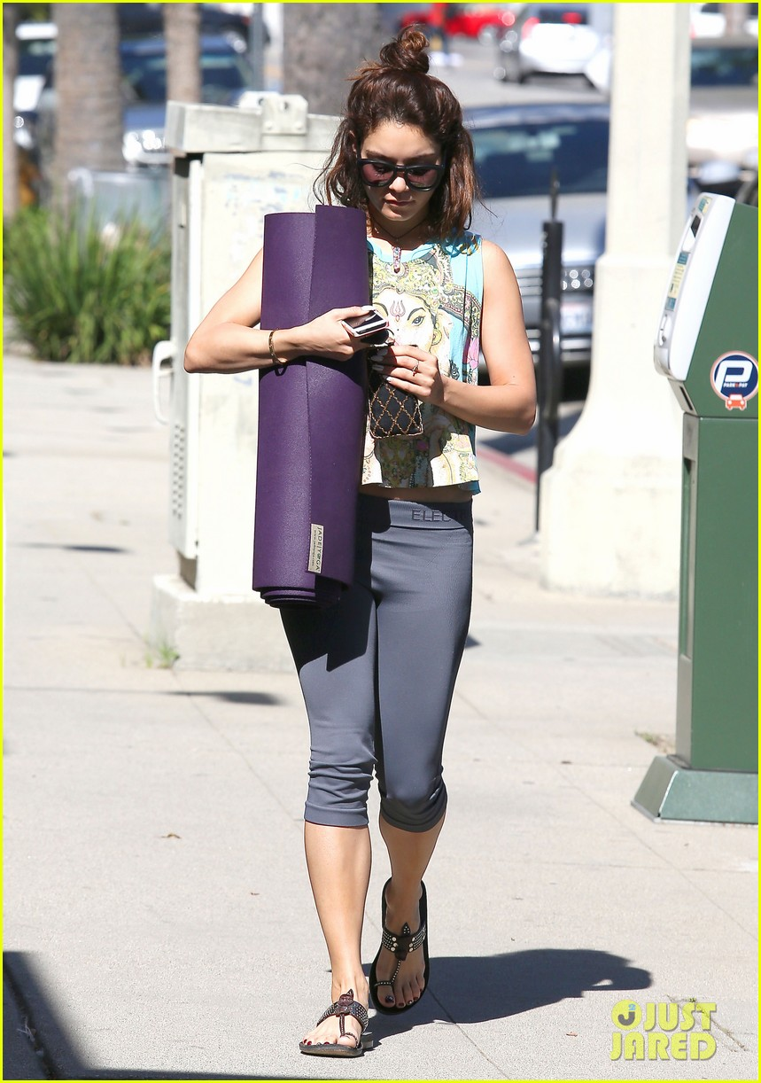 vanessa hudgens love you all for the letters 092862508