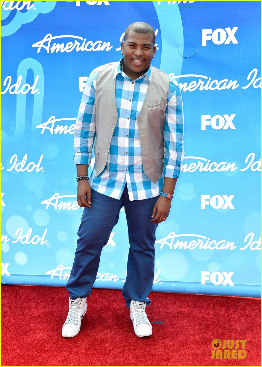 american idol top five guys walk finale red carpet 082871950