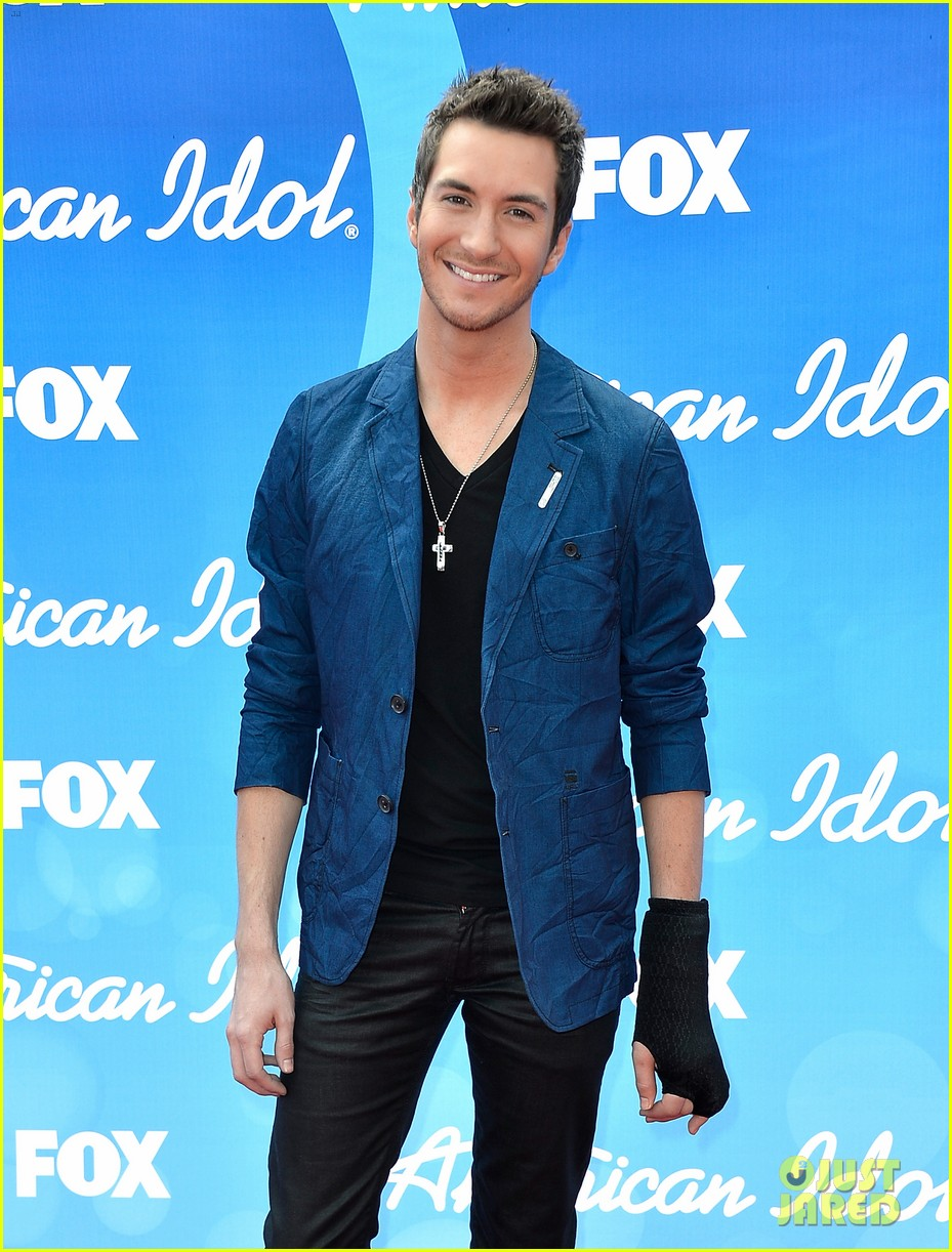 american idol top five guys walk finale red carpet 092871951
