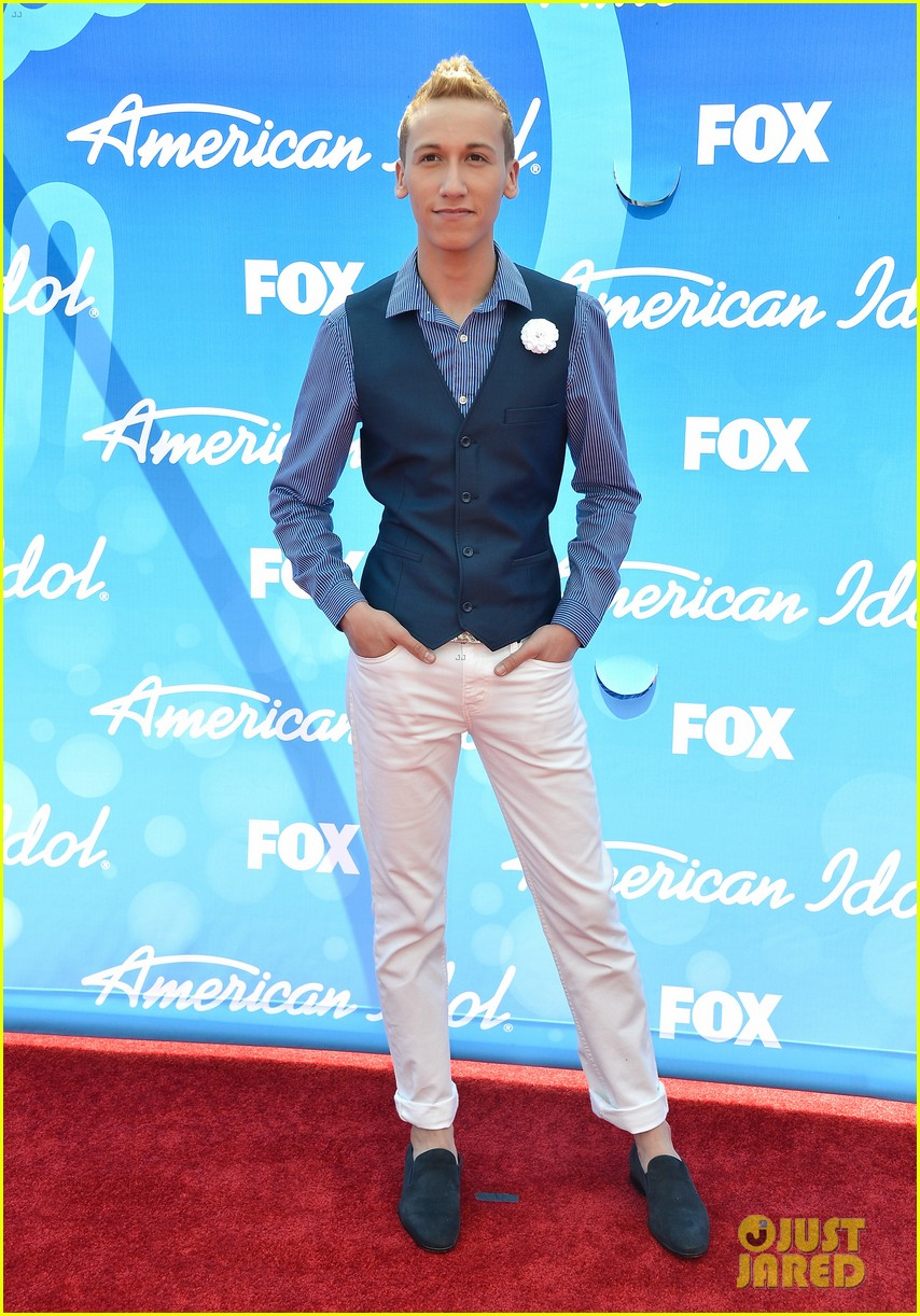 american idol top five guys walk finale red carpet 122871954