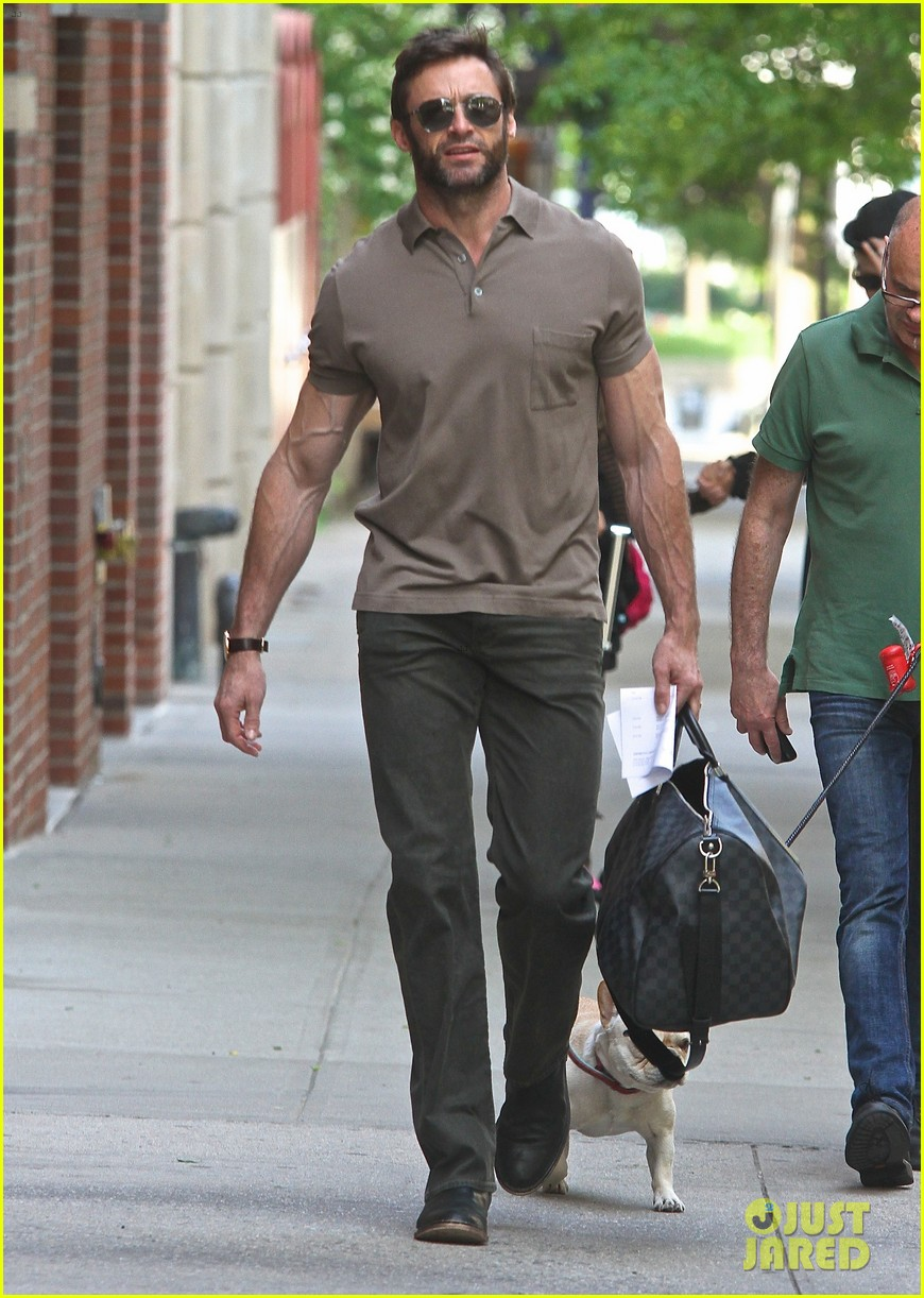 hugh jackman flies to montreal after filming oprah interview 01