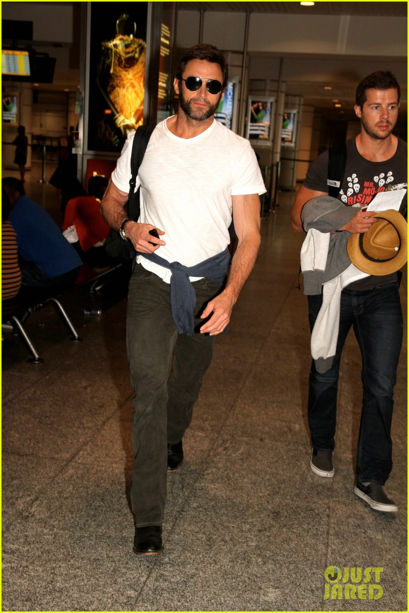 hugh jackman flies to montreal after filming oprah interview 032880259