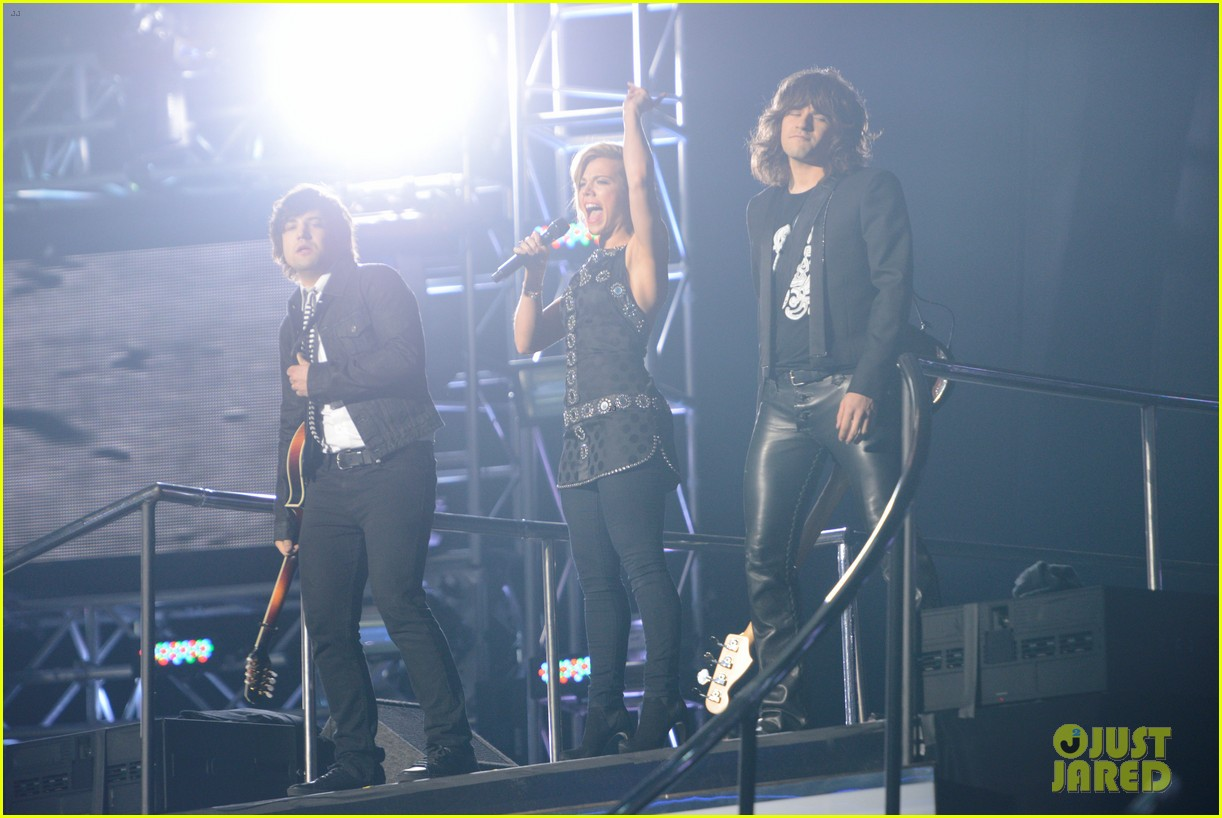 janelle arthur band perry american idol finale video 062872005