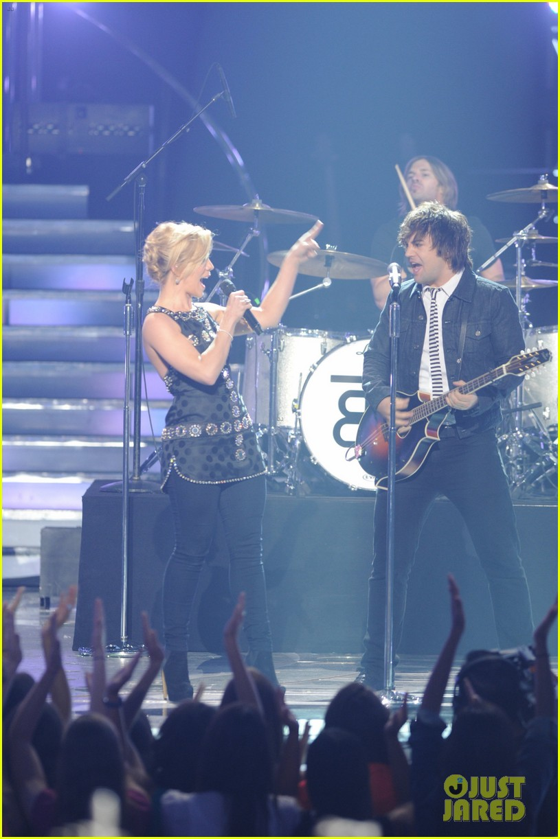 janelle arthur band perry american idol finale video 19