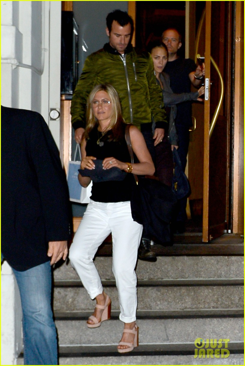 jennifer aniston sports glasses for nobu date night with justin theroux 02
